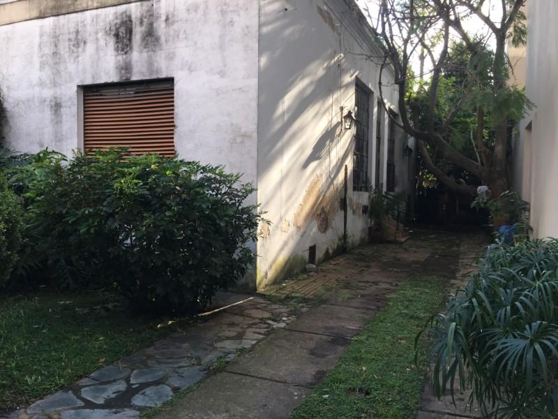 SAN FERNANDO: P.H. 3amb. Con Cochera Pasante y Jardín A Refaccionar.