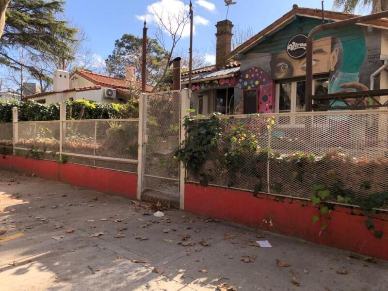 PUNTA CHICA: Inmejorable Parcela Con Salida a Dos Calles Sobre Av. Del Libertador.