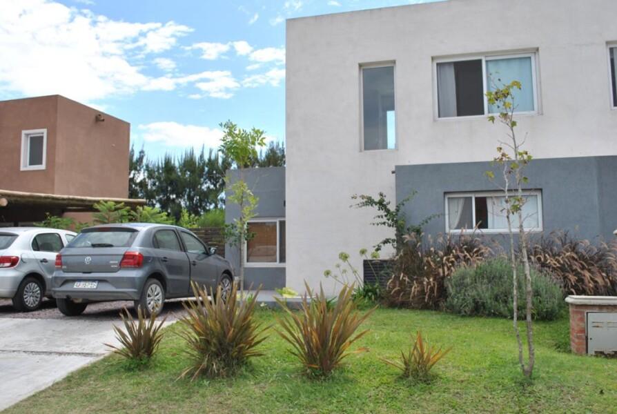 VILLANUEVA, CASAS DE SAN PATRICIO: Casa 3amb. Con Jardín Con Pileta.